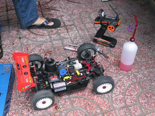 Chạy rô-đai máy nitro