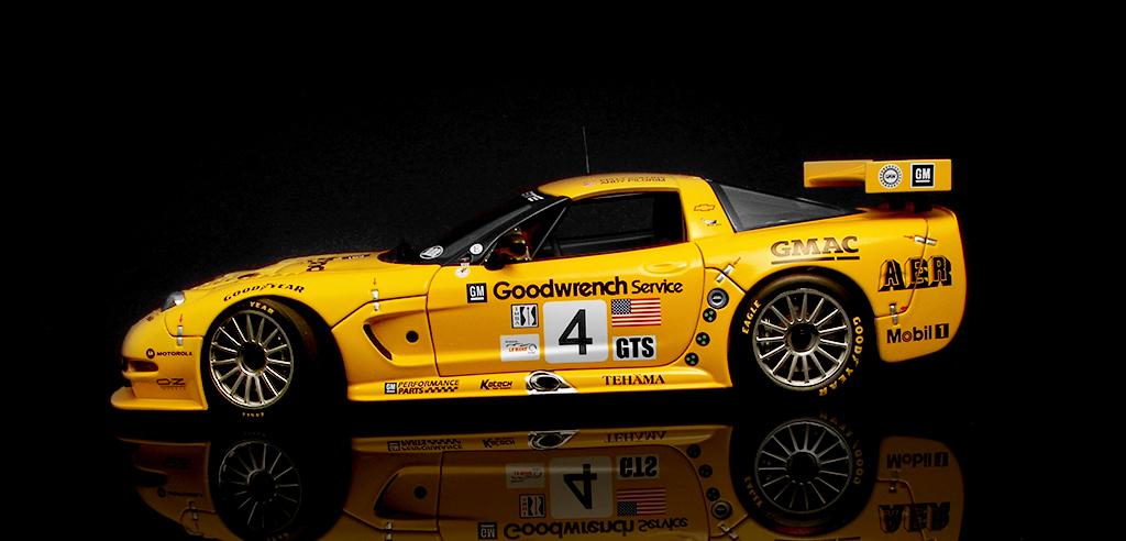 Tại sao body xe RC lại đắt tiền? 1_18_Corvette_C5_R__2_by_FordGT