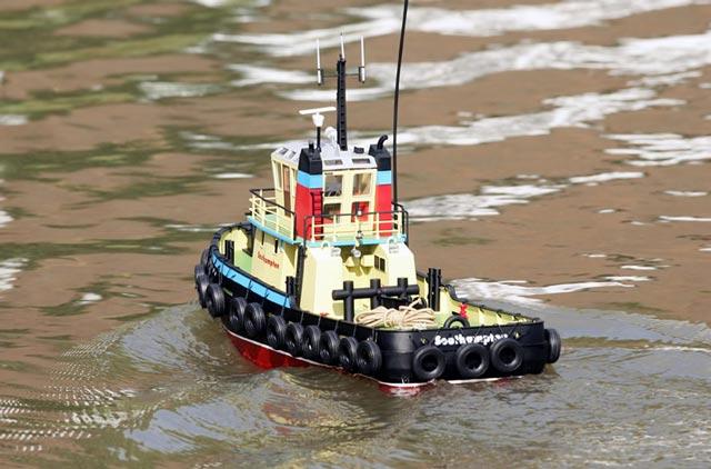 Tàu Đầu Kéo SOUTHAMPTON Electric RTR 800
