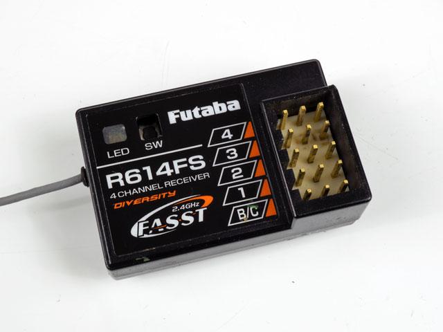 RX Futaba R614FS _DSC1894
